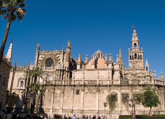 Las 10 catedrales de espa a m s populares en tripadvisor for Exterior catedral de sevilla