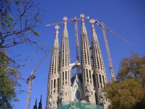 Las 10 catedrales de espa a m s populares en tripadvisor - Estilo sagrada familia ...